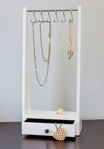 Hang Timeless Jewelry Organizer