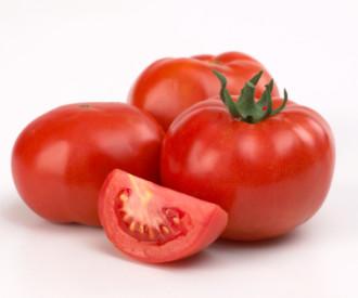 Tomatoesonvine2