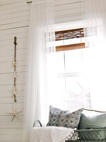 small-bedroom window-treatments_