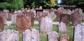 Public Domain Image: Graveyard In England